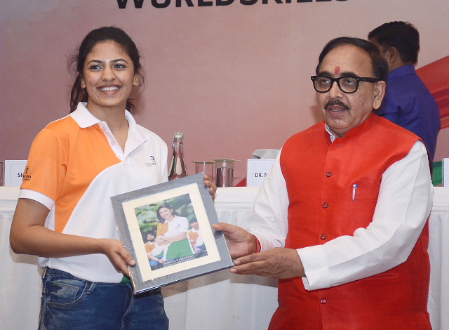 Source PIB-The Union Minister for Skill Development and Entrepreneurship, Dr. Mahendra Nath Pandey at the Sending off Ceremony of Team India representing the country, at the World Skills International Competition 2019, in New Delhi on August 18, 2019.