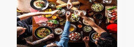 People eat more with friends